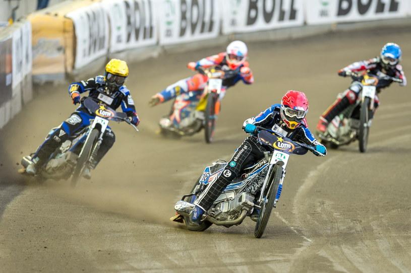 Jarosław Hampel (kask czerwony), Nicolai Klindt (niebieski), Kacper Gomólski (biały), Mateusz Szczepaniak (żółty) /Tytus Żmijewski /PAP