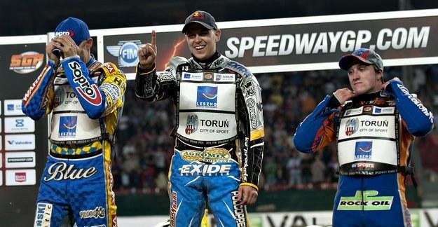 Jarosław Hampel (w środku) wywalczył wicemistrzostwo świata 2010! /AFP