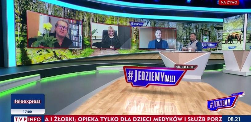 """Jarosław Jakimowicz pokazał prezent dla Joanny Kurskiej w programie """"#Jedziemy"""" /www.tvp.info/screen z programu """"#Jedziemy"""" /"""