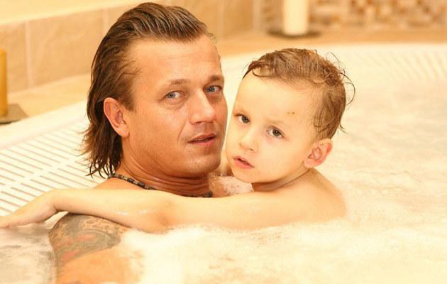 Jarosław Jakimowicz z synem w spa /fot.Wojciech Olszanka  /East News