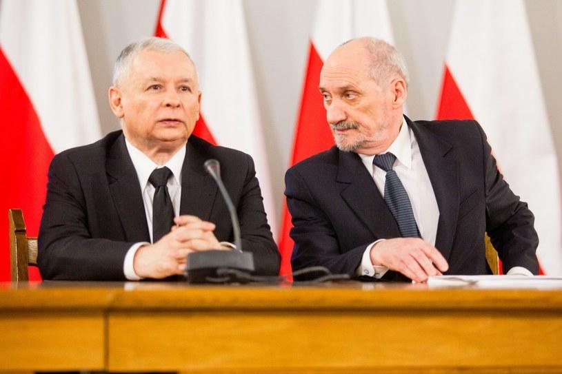 Jarosław Kaczyński i Antoni Macierewicz /Andrzej Lange /Agencja SE/East News
