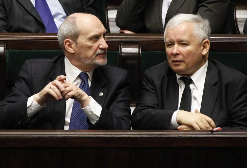Jarosław Kaczyński i Antoni Macierewicz /Stefan Maszewski /Reporter