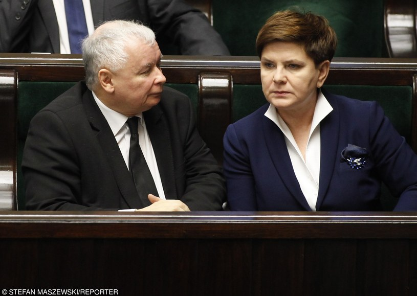 """Jarosław Kaczyński i Beata Szydło: """"Prezes dał jej do zrozumienia, że musi przyspieszyć"""" /STEFAN MASZEWSKI/REPORTER /East News"""
