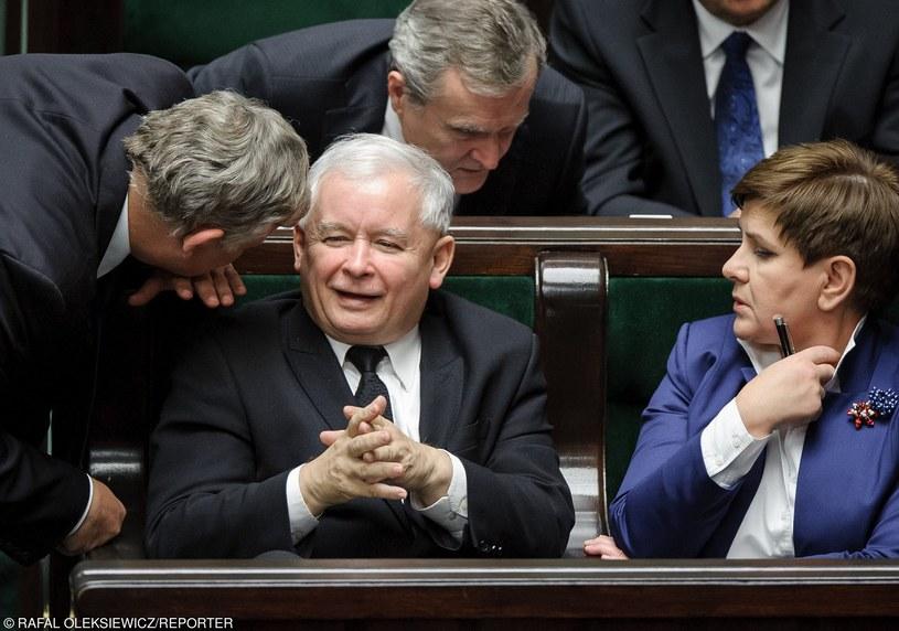 Jarosław Kaczyński  i Beata Szydło /Rafał Oleksiewicz /Reporter