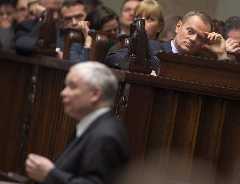 Jarosław Kaczyński i Donald Tusk w Sejmie /Andrzej Iwańczuk /Reporter
