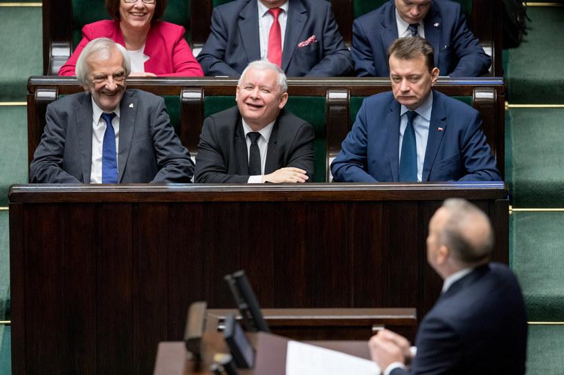 Jarosław Kaczyński i Grzegorz Schetyna debatują ze sobą jedynie na sali sejmowej /Andrzej Iwańczuk /Reporter
