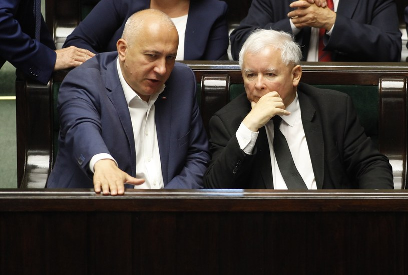 Jarosław Kaczyński i Joachim Brudziński /Stefan Maszewski /Reporter