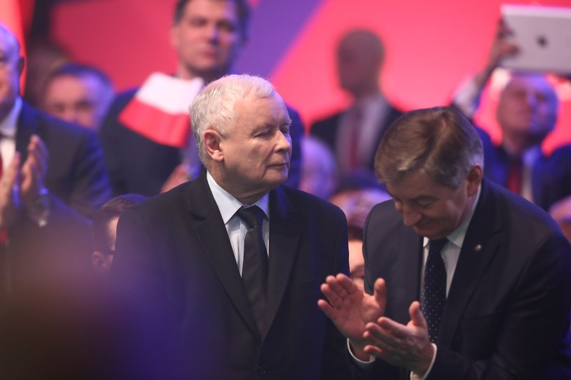 Jarosław Kaczyński i Marek Kuchciński /Andrzej Iwańczuk /Reporter