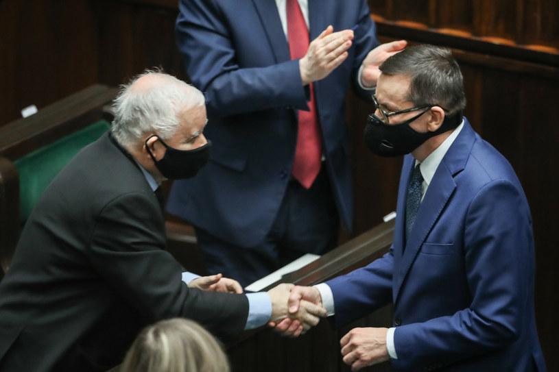 Jarosław Kaczyński i Mateusz Morawiecki w Sejmie /Andrzej Iwańczuk /Reporter