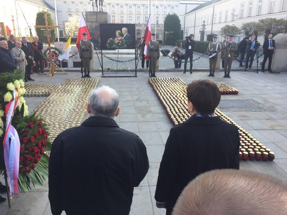 Jarosław Kaczyński i premier Beata Szydło podczas Apelu Pamięci /Krzysztof Zasada /RMF FM