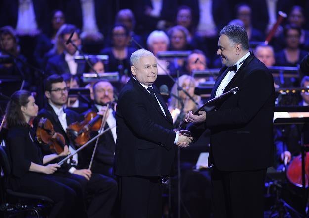 """Jarosław Kaczyński (L), Tomasz Sakiewicz, redaktor naczelny """"Gazety Polskiej"""". Fot. Adam Chelstowski /FORUM"""