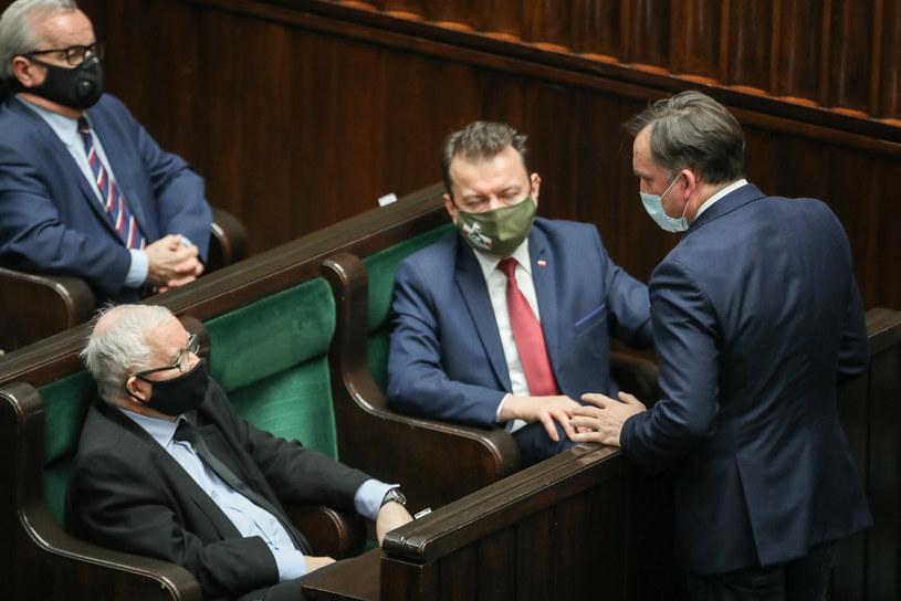 Jarosław Kaczyński, Mariusz Błaszczak, Zbigniew Ziobro w Sejmie / Fot. Andrzej Iwanczuk /Reporter