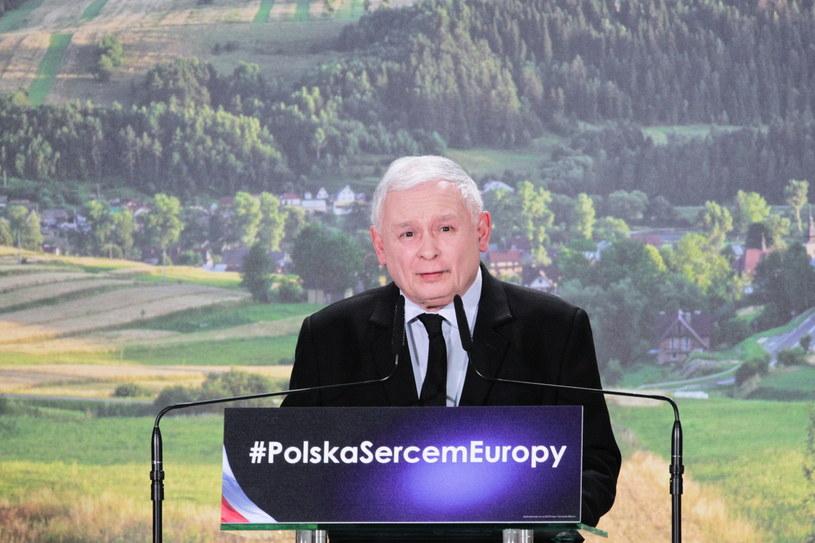 Jarosław Kaczyński na konwencji regionalnej PiS w Kadzidle k. Ostrołęki /Tomasz Waszczuk /PAP