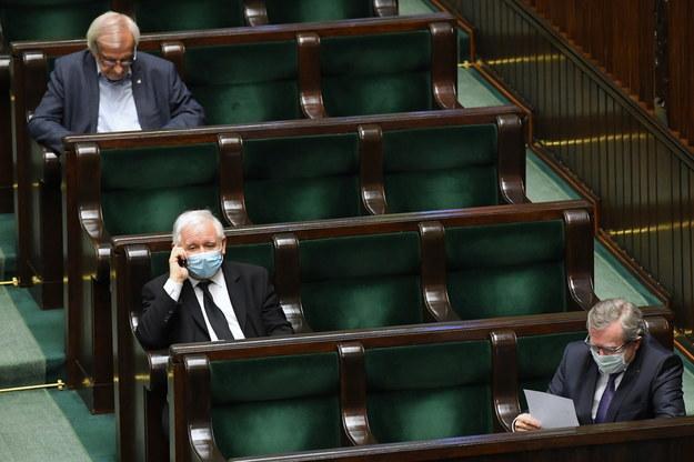 Jarosław Kaczyński na sali obrad / Radek Pietruszka   /PAP