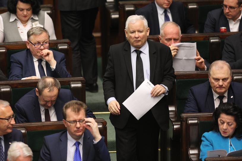 Jarosław Kaczyński na sali sejmowej /Fot. Tomasz Jastrzębowski/REPORTER /Reporter