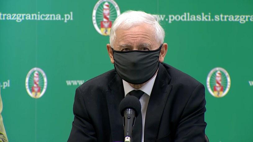 Jarosław Kaczyński podczas konferencji prasowej dot. sytuacji na granicy z Białorusią /Polsat News /Polsat News