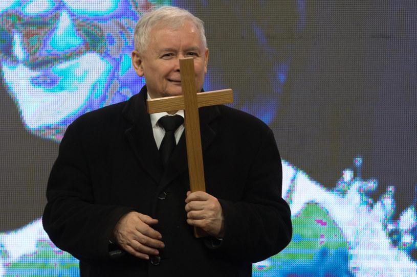 Jarosław Kaczyński podczas obchodów 6. rocznicy katastrofy smoleńskiej /Krystian Maj /Agencja FORUM