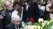 Jarosław Kaczyński podczas uroczystości pogrzebowych Anny Walentynowicz.