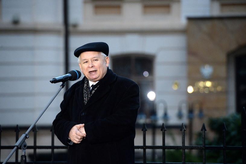 Jarosław Kaczyński przemawia przed Trybunałem Konstytucyjnym /Jacek Turczyk /PAP