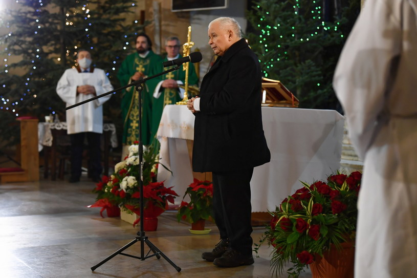 Jarosław Kaczyński w czasie mszy z okazji rocznicy śmierci jego matki Jadwigi / Piotr Polak    /East News