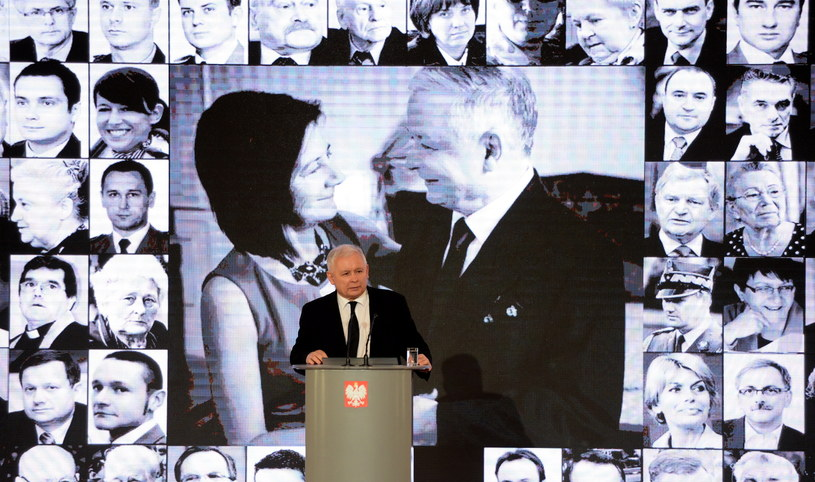 Jarosław Kaczyński w czasie uroczystości w KPRM /Jacek Turczyk /PAP