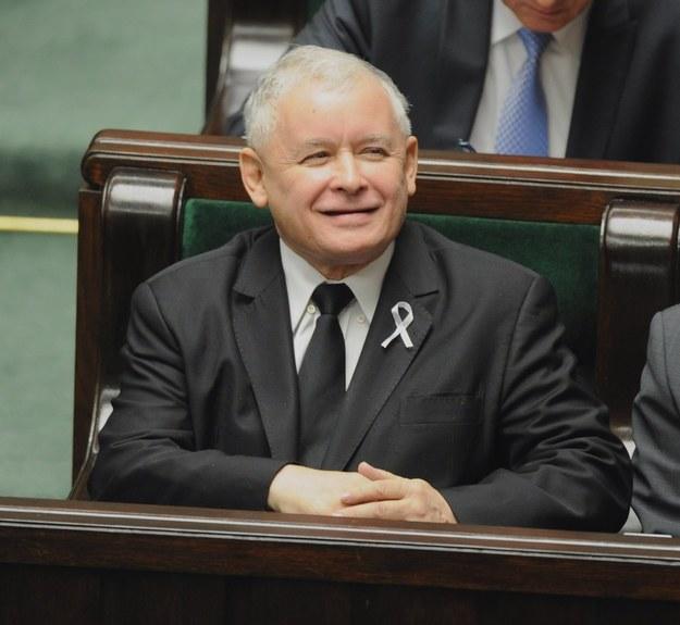 Jarosław Kaczyński wczoraj w Sejmie i jak zwykle uśmiechnięty /Piotr Bławicki /East News