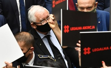 Jarosław Kaczyński zabrał głos ws. aborcji. Nawołuje do obrony kościołów