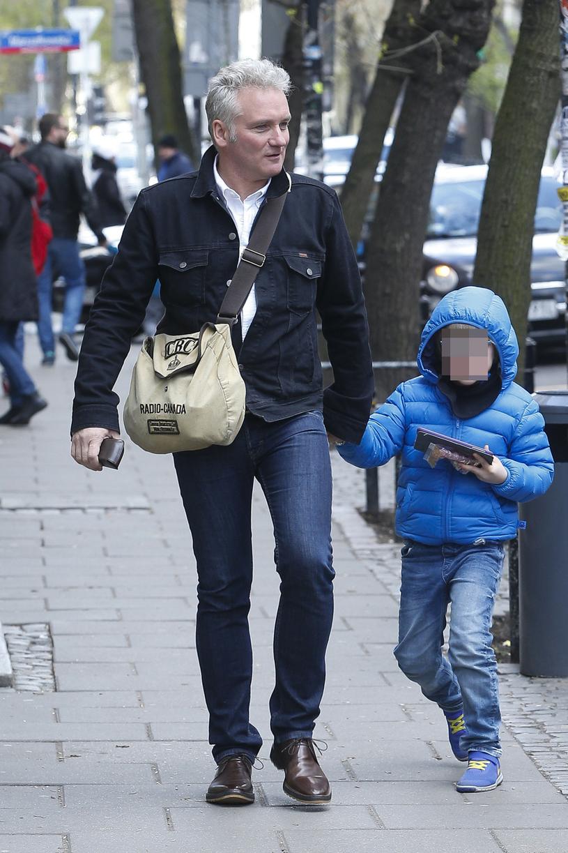 Jarosław Kret z synem /AKPA