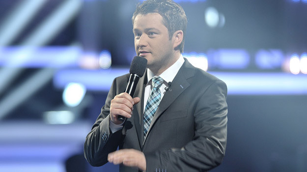 """Jarosław Kuźniar w programie """"X Factor"""" tonuje napięcia / fot. Michał Baranowski /AKPA"""