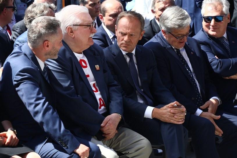 Jarosław Wałęsa, Lech Wałęsa, Donald Tusk, Bronisław Komorowski i Aleksander Kwaśniewski /Beata Zawrzel /Reporter