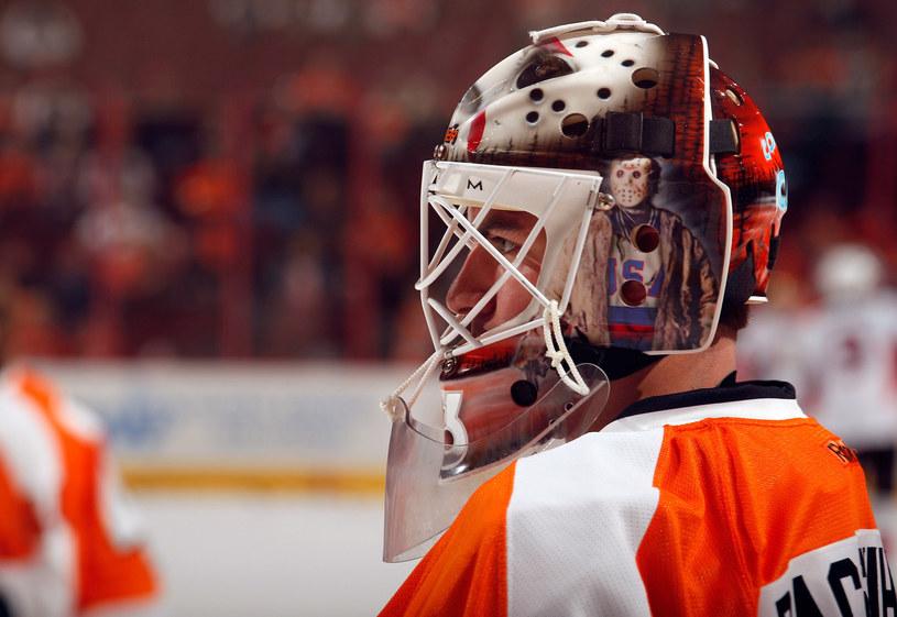 Jason Bacashihua w sezonie 2011/12 był hokeistą Philadeplhia Flyers, ale nie zagrał w żadnym meczu /AFP