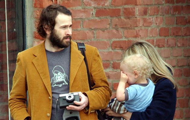 Jason Lee z partnerką i synem  /Splashnews