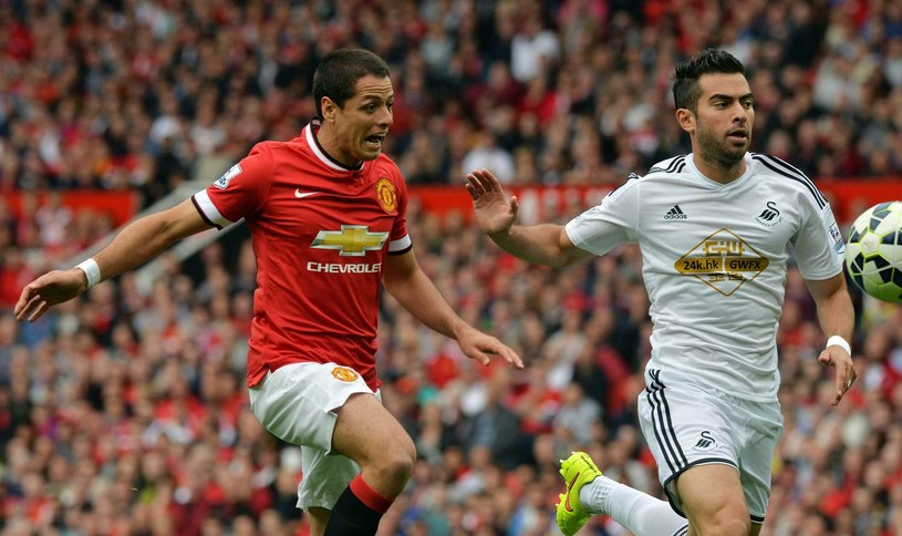 Javier Hernandez (z lewej) może opuścić Manchester United /AFP