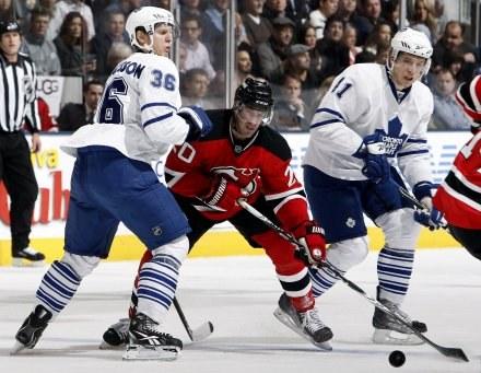 Jay Pandolfo przesądził o zwycięstwie New Jersey Devils nad Toronto Maple Leafs /AFP