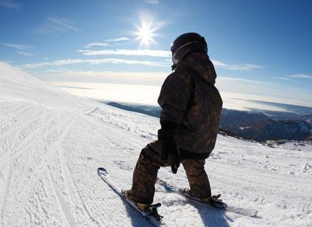 Jazda na nartach nie tylko nie zaszkodzi sylwetce dziecka, ale poprawi jego kondycję /© Panthermedia