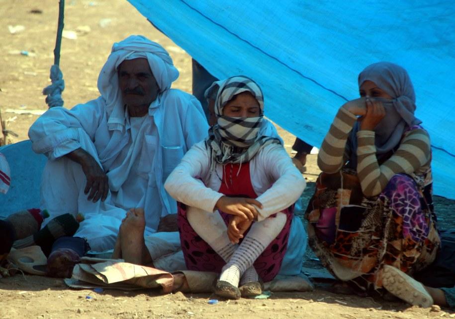 Jazydzi koczujący przy granicy z Syrią /STR /PAP/EPA