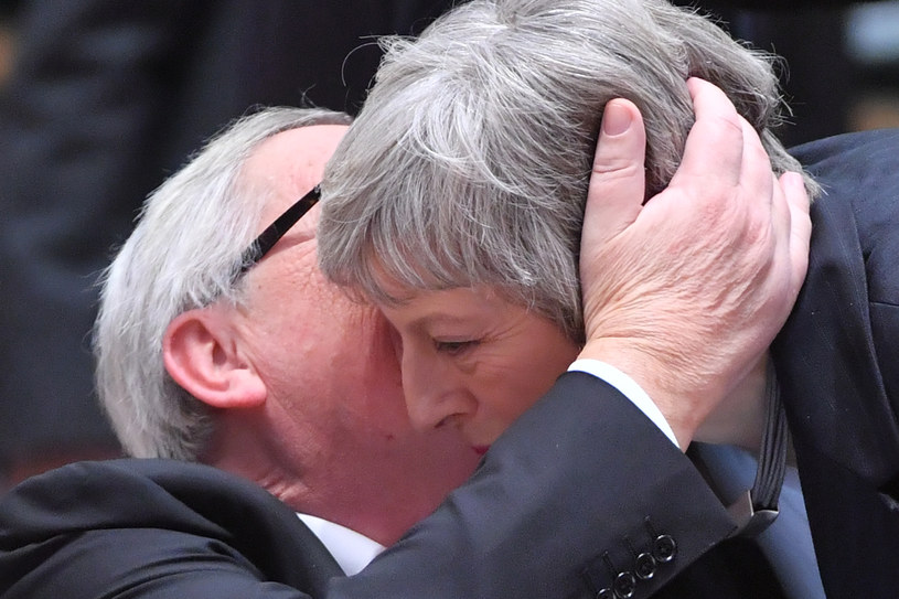 Jean-Claude Juncker i Theresa May /AFP