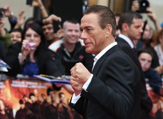 Jean-Claude Van Damme w firmowej pozie - fot. Chris Jackson /Getty Images/Flash Press Media