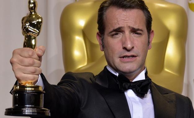 """Jean Dujardin z Oscarem za """"Artystę"""" /AFP"""