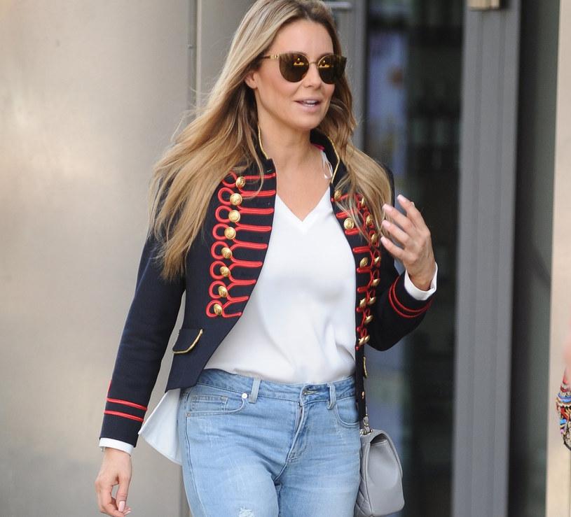 Jeansy i biały t-shirt-Malgorzata Rozenek lubi takie połączenie! /East News