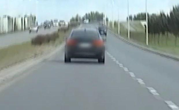 Jechał przez miasto ponad 150 km/h. Policja dwa razy zatrzymała pirata drogowego