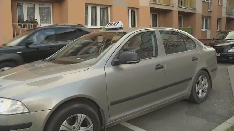 Jechała na porodówkę, urodziła w taksówce /TVN24/x-news