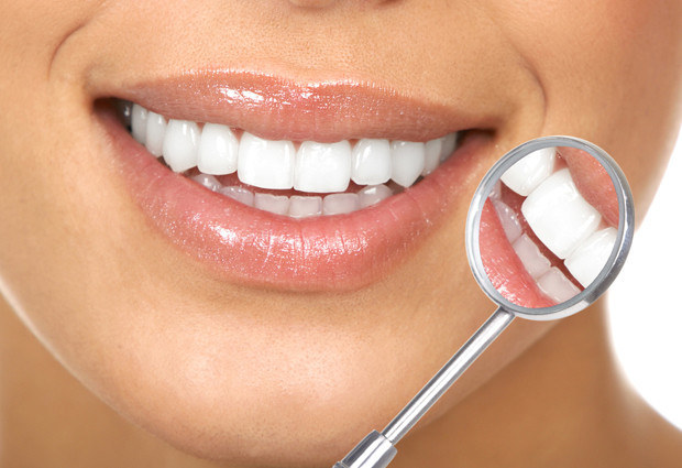 Jęczmień a zdrowe zęby /© Photogenica