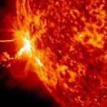 Jeden superrozbłysk Słońca mógłby doprowadzić do chaosu na Ziemi
