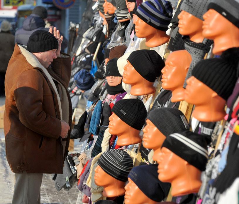 Jeden z białoruskich bazarów /AFP