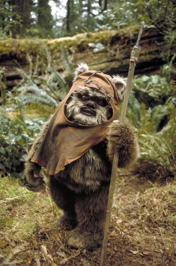 """Jeden z Eoków zamieszkujących planetę Endor w """"Powrocie Jedi"""" /materiały prasowe"""