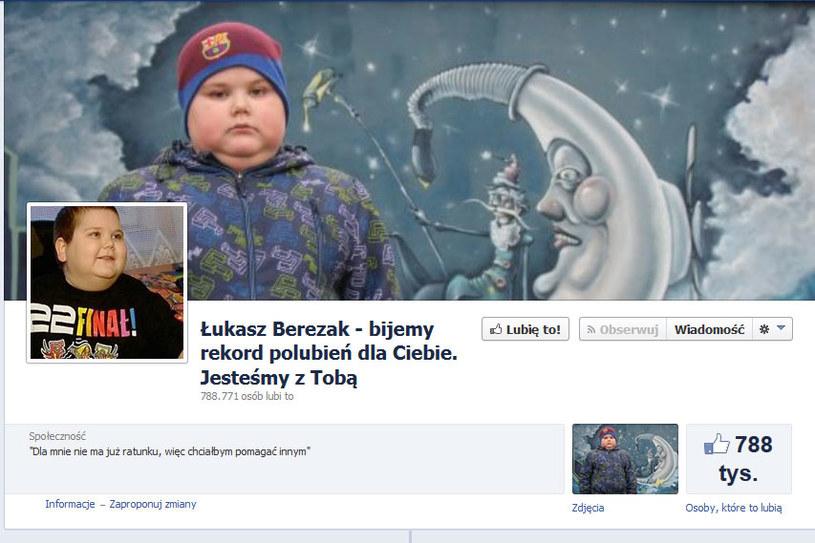 """Jeden z facebookowych profili poświęconych Łukaszowi Berezakowi - z czasem zniknie on z sieci, a """"fani"""" będą przetransferowani na inny, oficjalny profil /materiały prasowe"""