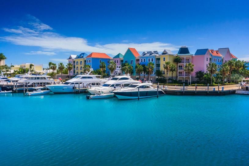 Jeden z hoteli w Nassau /123RF/PICSEL