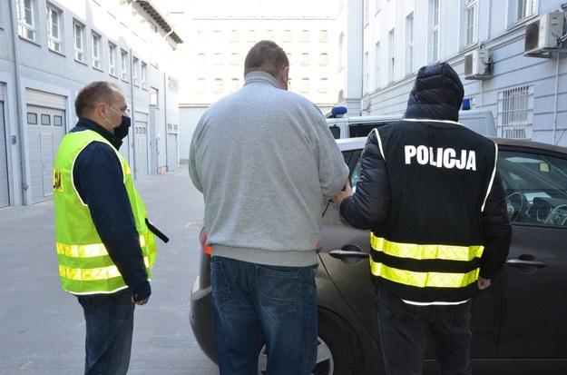 Jeden z podejrzanych ws. gwałtu na 14-letniej dziewczynce na zdjęciu udostępnionym przez pomorską policję /pomorska.policja.gov.pl /Policja