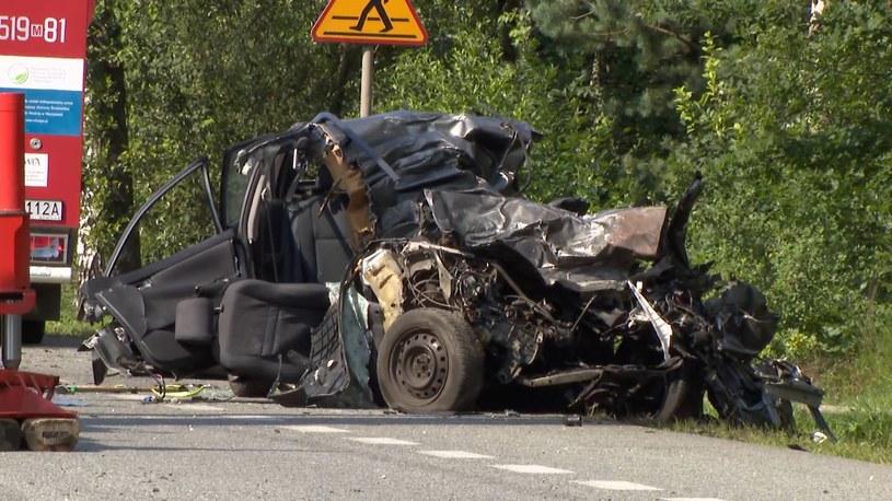 Jeden z pojazdów uczestniczących w tragicznym wypadku /Polsat News
